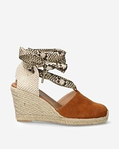 Cognac-espadrille-wedges-with-snake-print-ankle-strap