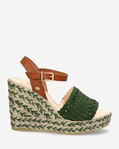 Green-espadrille-sandalet-with-woven-strap
