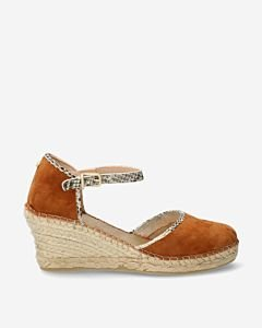Cognac-suede-espadrille-wedges-with-snake-print