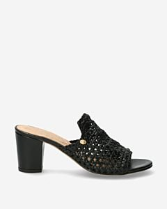 Black-leather-heeled-slipper