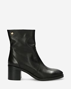 Heeeld-ankle-boot-soft-smooth-leather-black