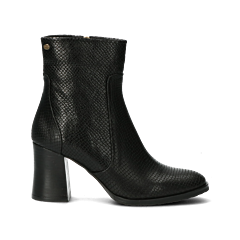 Heeled-ankle-boot-black-with-snake-print