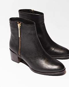Black-ankle-boot-with-lizard-printed-leather