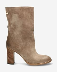 Taupe-ankle-boot-suede