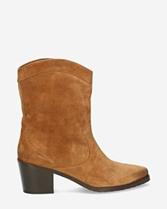 Western-ankle-boot-suede-cognac