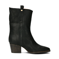 Western-boot-from-smooth-leather-black