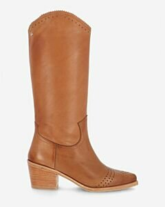 Western-boot-grain-leather-sand