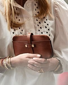 Fred-x-Lonneke-mini-clutch-grain-leather-cognac