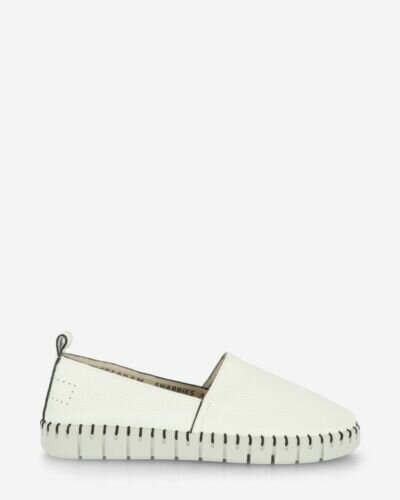 Loafers grain leather white