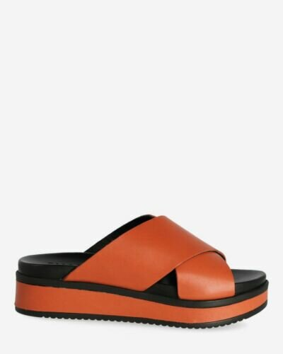 Terracotta brown slipper with leather sole