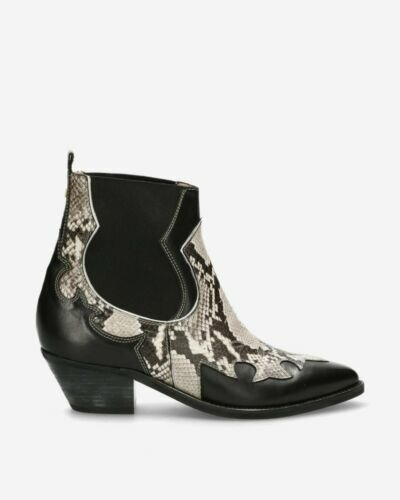 Western ankle boot black