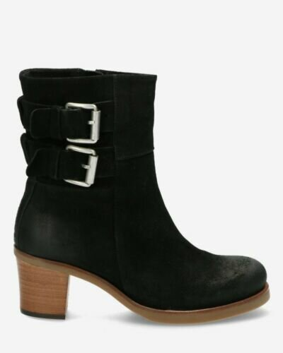 Heeled ankle boot waxed buffed leather black