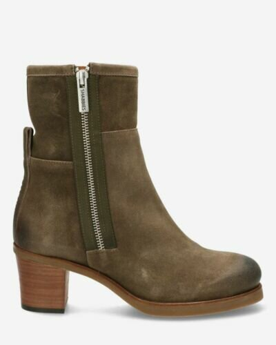 Heeled ankle boot waxed buffed leather taupe