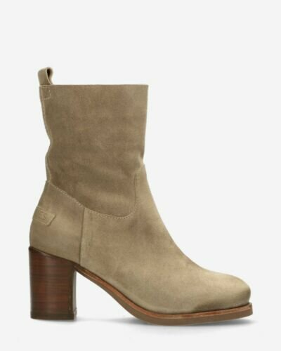 Ankle boot waxed suede dark sand