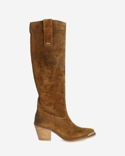 Brown western boot waxed suede