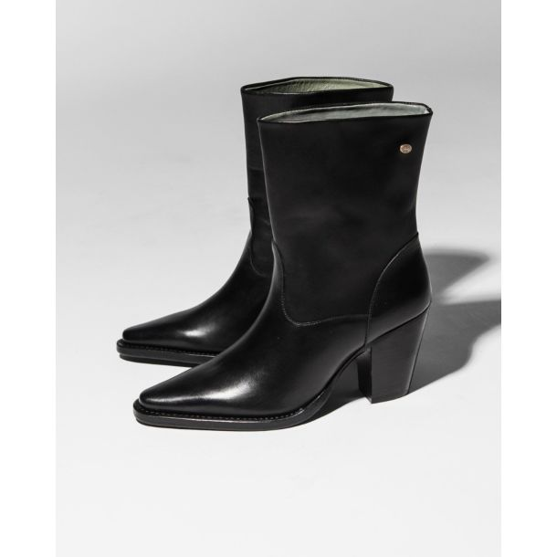Western-boot-Goodyear-soft-smooth-leather-Black