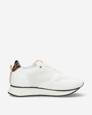 White-sneaker-with-crocodile-patch-