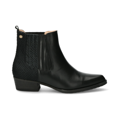 Chelsea-boot-from-smooth-leather-with-pony-detail-black