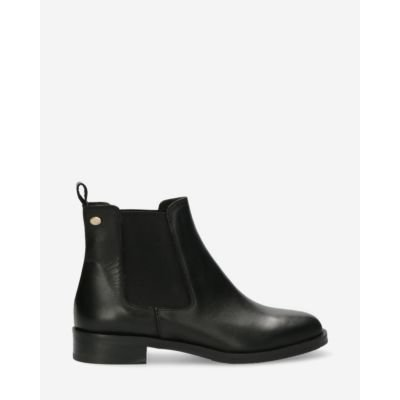 Chelsea-boot-soft-smooth-leather-black