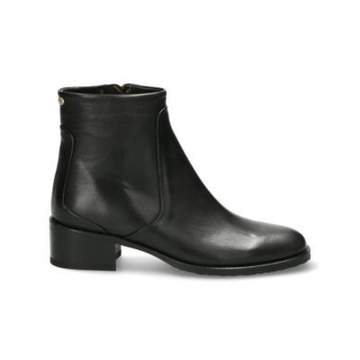 Black-chelsea-ankle-boot-smooth-leather-