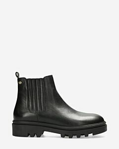 Chelsea boot soft smooth leather black