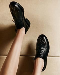Black-Lace-up-shoe-grain-leather-with-removable-flap