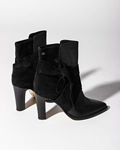 Ankle-boot-soft-smooth-leather-with-suede-Black