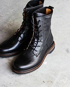Lace-up-boot-black