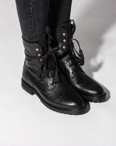 Ankle-boot-with-lace-up-grain-leather-Black-