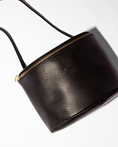 Marianneke-grain-leather-black
