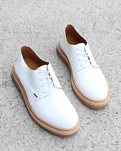 Lace-up-shoe-patent-leather-white