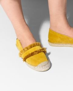 Espadrille-loafer-suede-with-fringes-yellow