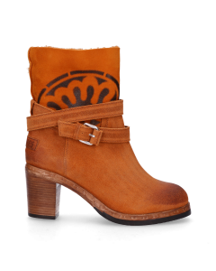 Ankle-boot-waxed-suede-with-double-face-Orange