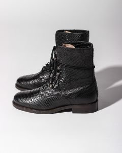 Ankle-boot-with-lace-up-printed-leather-Black