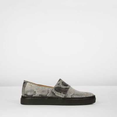 Loafer-leer-met-pythonprint-taupe