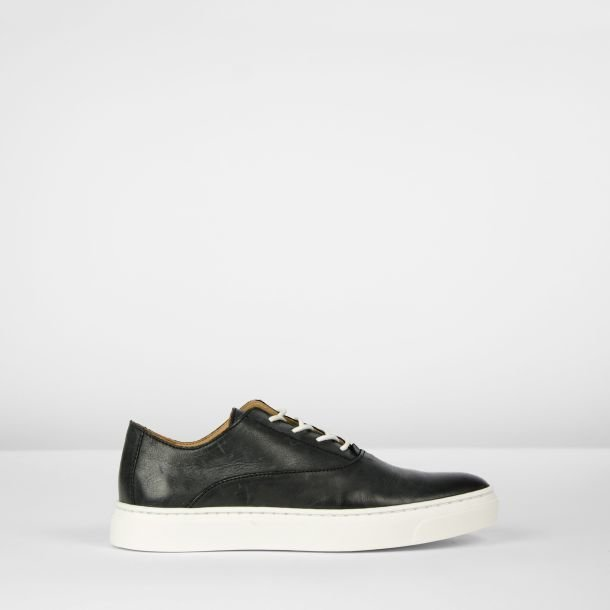 Sneaker polished leather Black