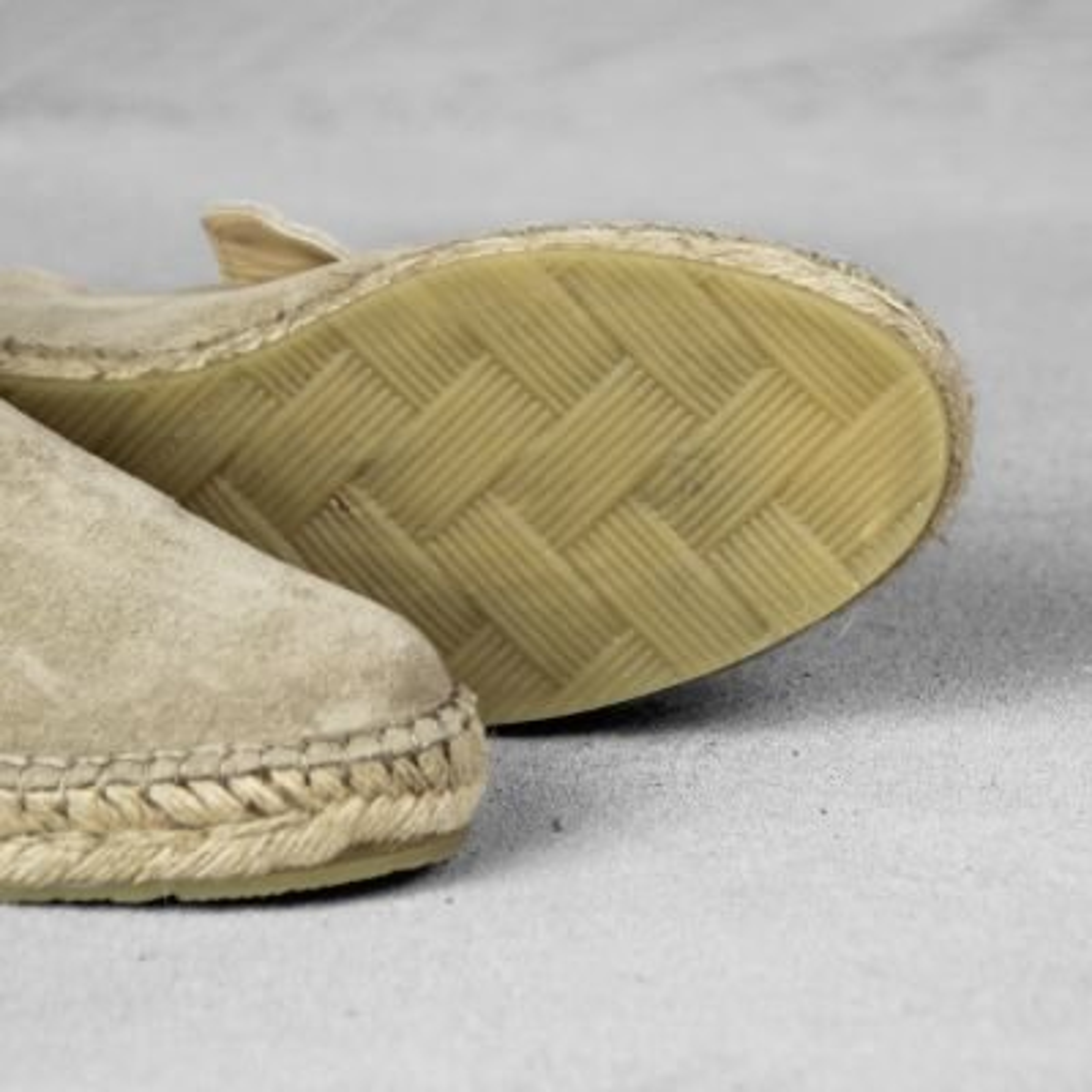 espadrille loafer shabbies amsterdam in taupekleurig suède 152020003 detail zool