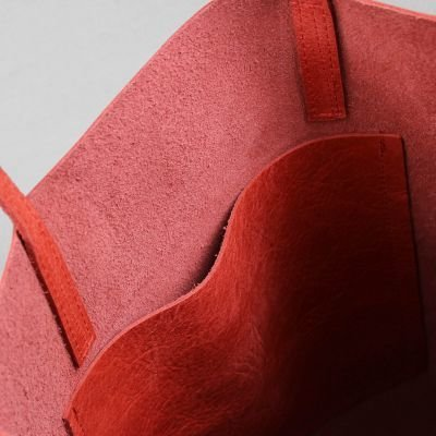 Shopping-bag-hand-buffed-leather-Red