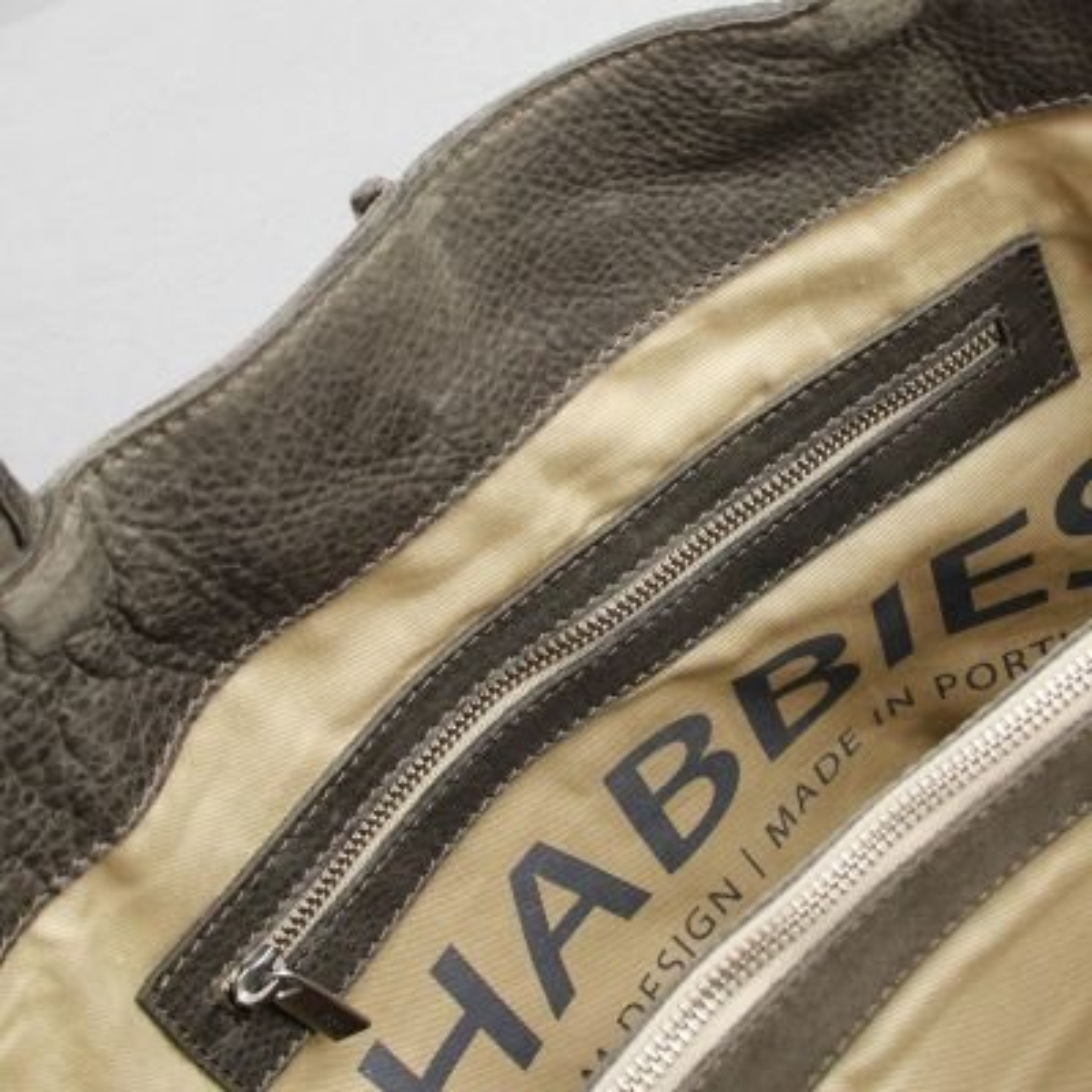 Handbag-heavy-grain-leather-Taupe