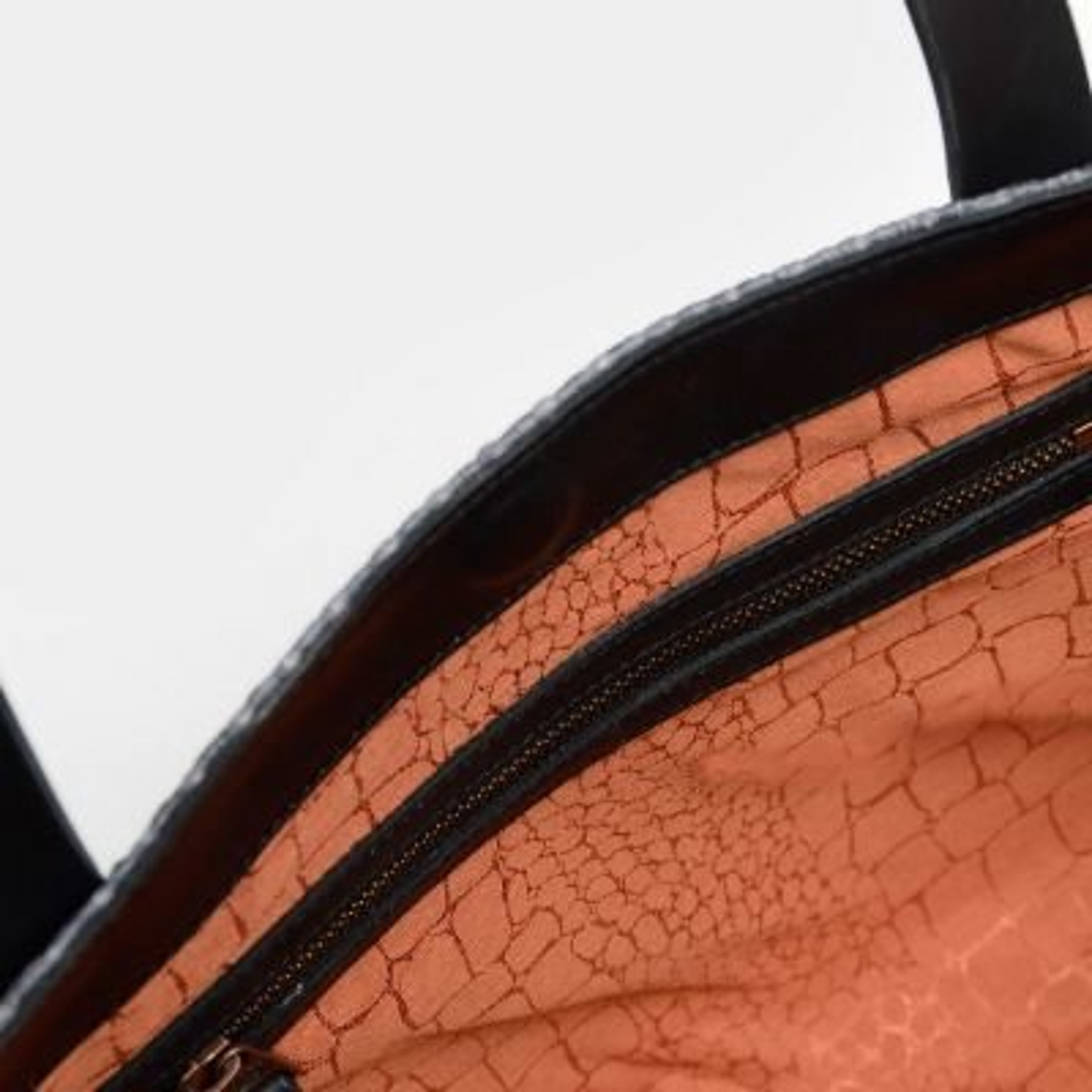 fred de la bretoniere zwarte schoudertas van raffia 292010001 binnenkant rits
