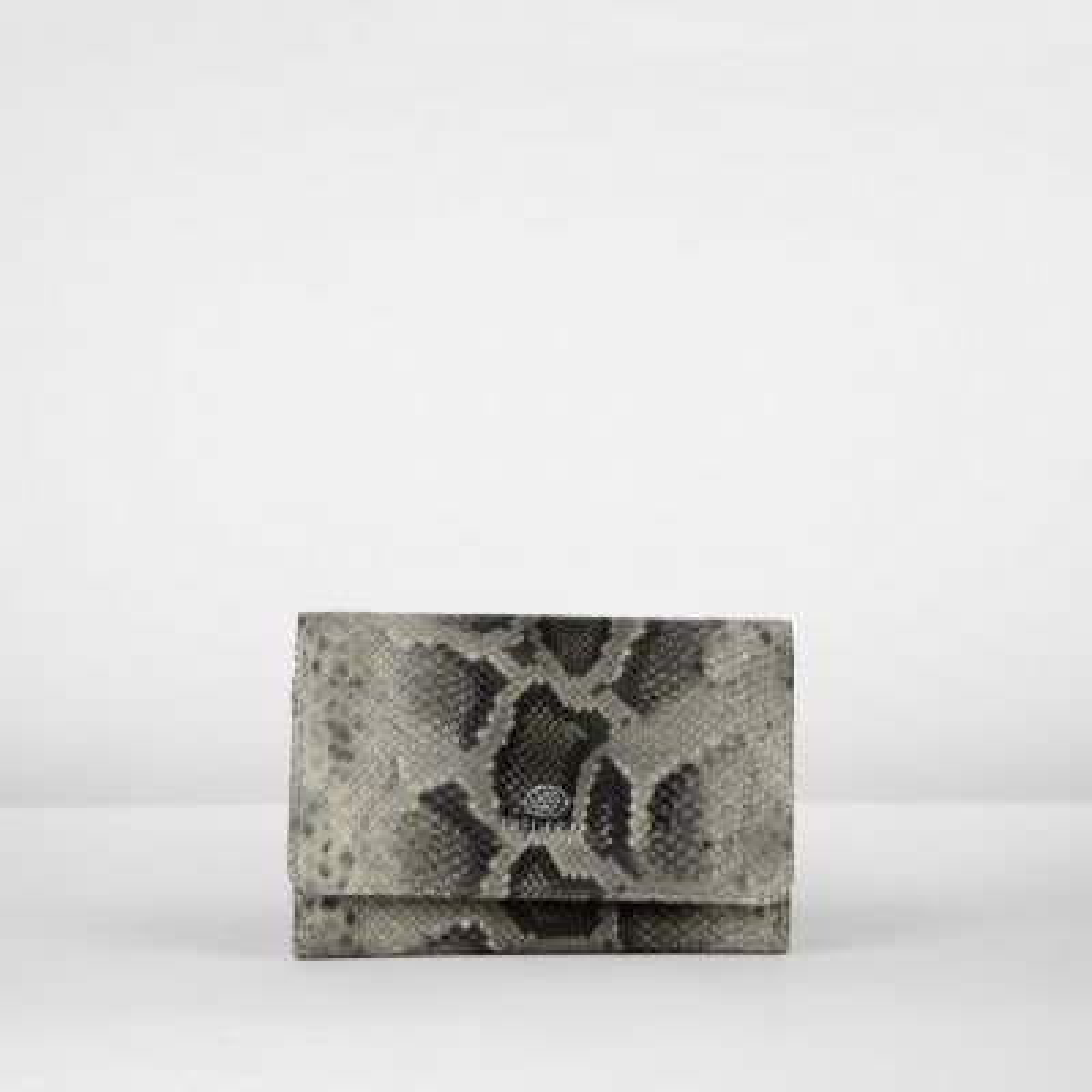 Kleine portemonnee in faux pythonleer taupe 321020004 vooraanzicht